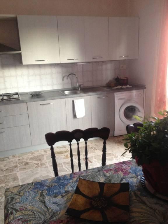Appartamento in buone condizioni arredato in affitto Rif. 8965017