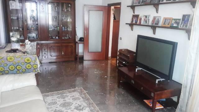 Appartamento in buone condizioni arredato in vendita Rif. 8974598