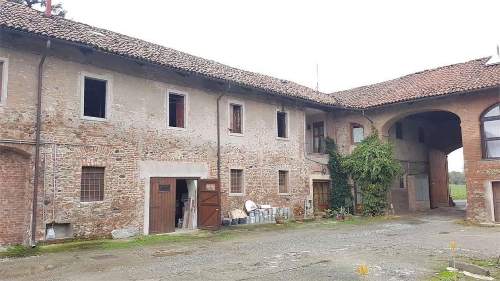 Rustico / Casale da ristrutturare in vendita Rif. 8973853