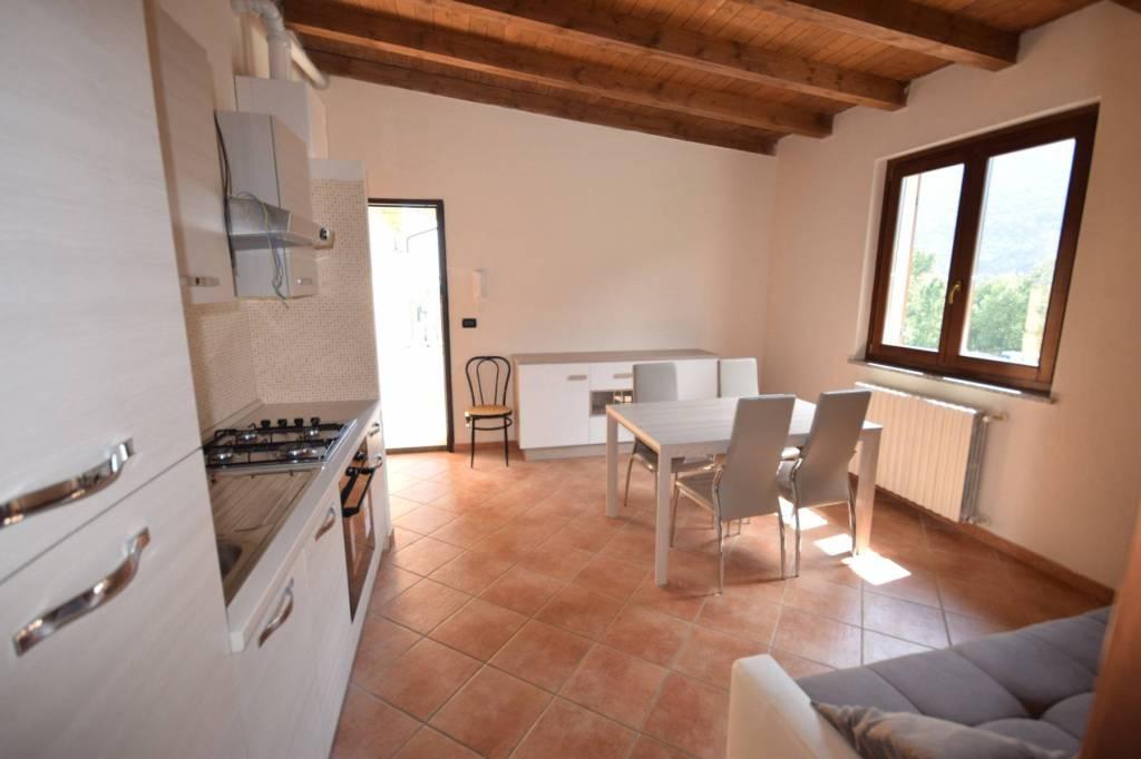 Appartamento in ottime condizioni arredato in affitto Rif. 8975047