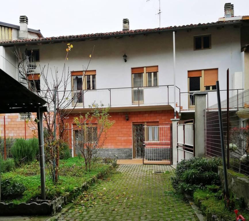 Foto 1 di Rustico / Casale via Crescentino 24, Vische