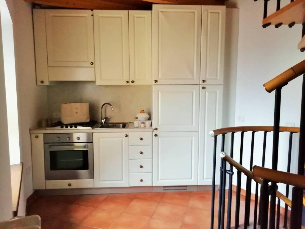 Casa Indipendente in buone condizioni arredato in affitto Rif. 8974876