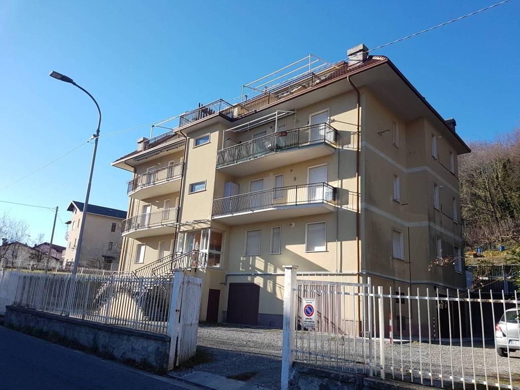 Località Casabianca: luminoso 4,5 vani in stabile moderno