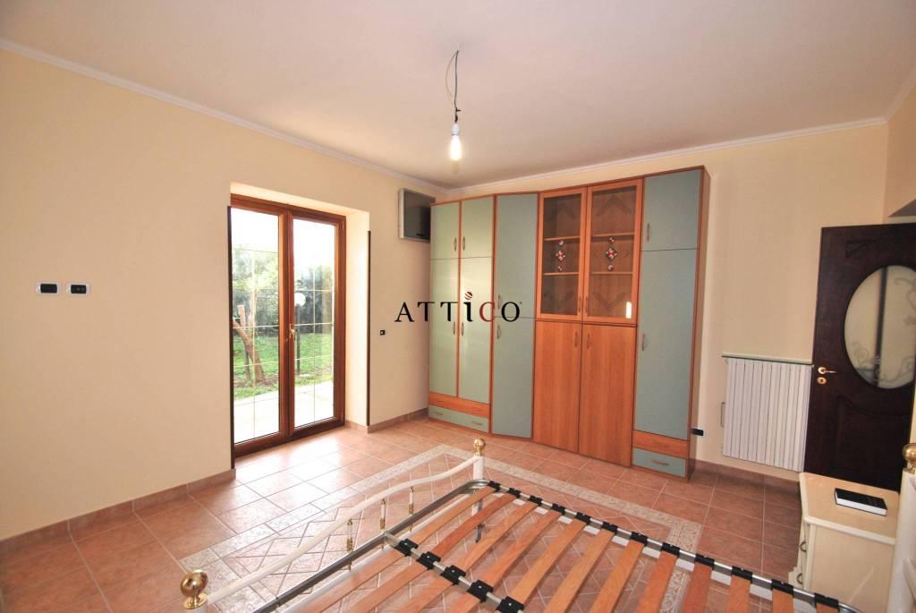 Appartamento in ottime condizioni arredato in affitto Rif. 8974454