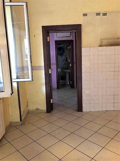 Appartamento in buone condizioni in affitto Rif. 8976626