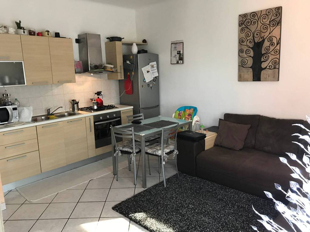 Appartamento in ottime condizioni parzialmente arredato in vendita Rif. 8976411