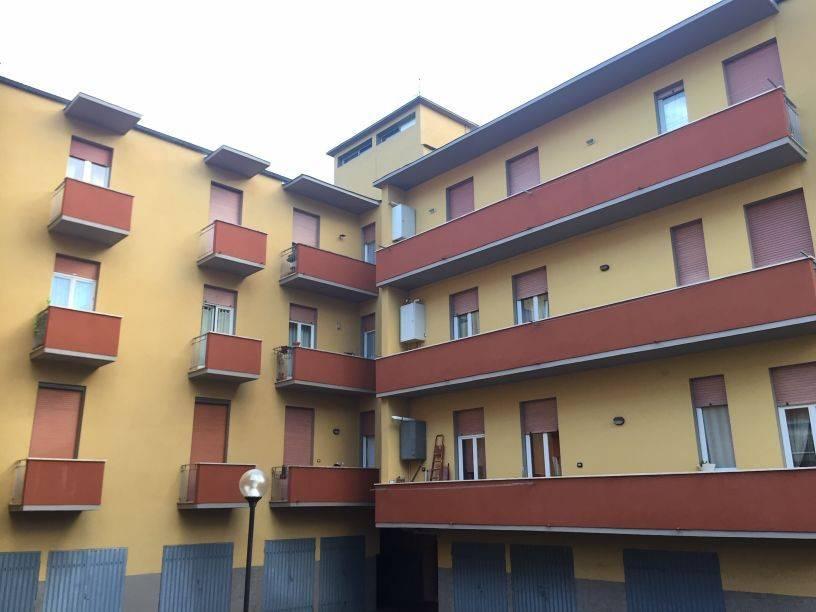 Appartamento in buone condizioni in vendita Rif. 8975753
