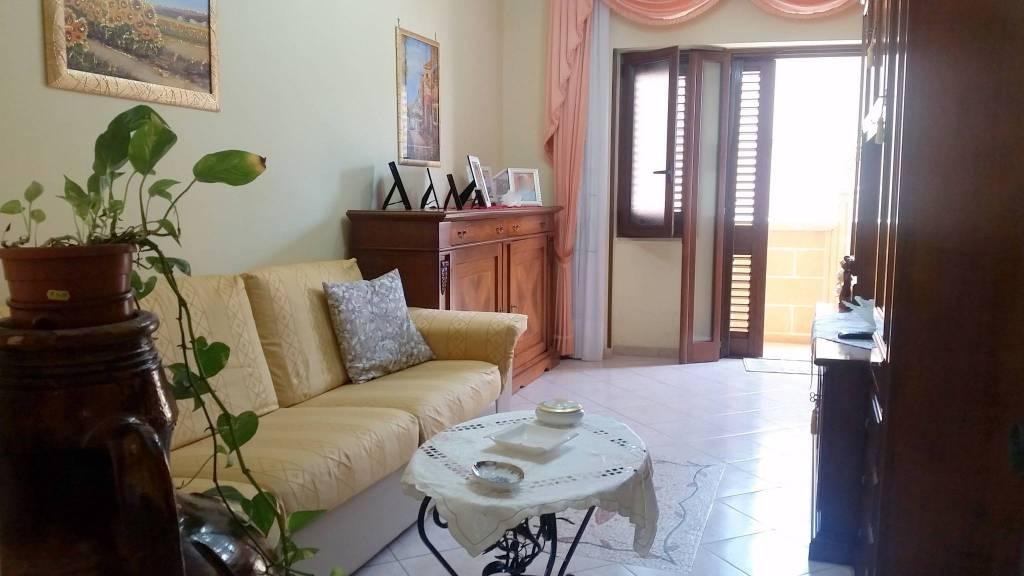 Appartamento in ottime condizioni arredato in vendita Rif. 8972047