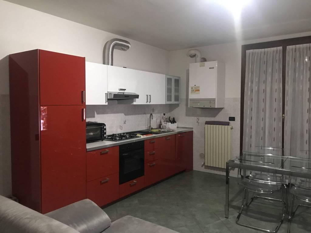 Appartamento in buone condizioni in vendita Rif. 8466915