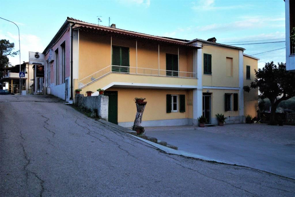 Casa Indipendente da ristrutturare in vendita Rif. 8974458