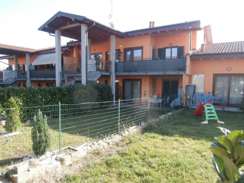 Appartamento in ottime condizioni in affitto Rif. 8775076