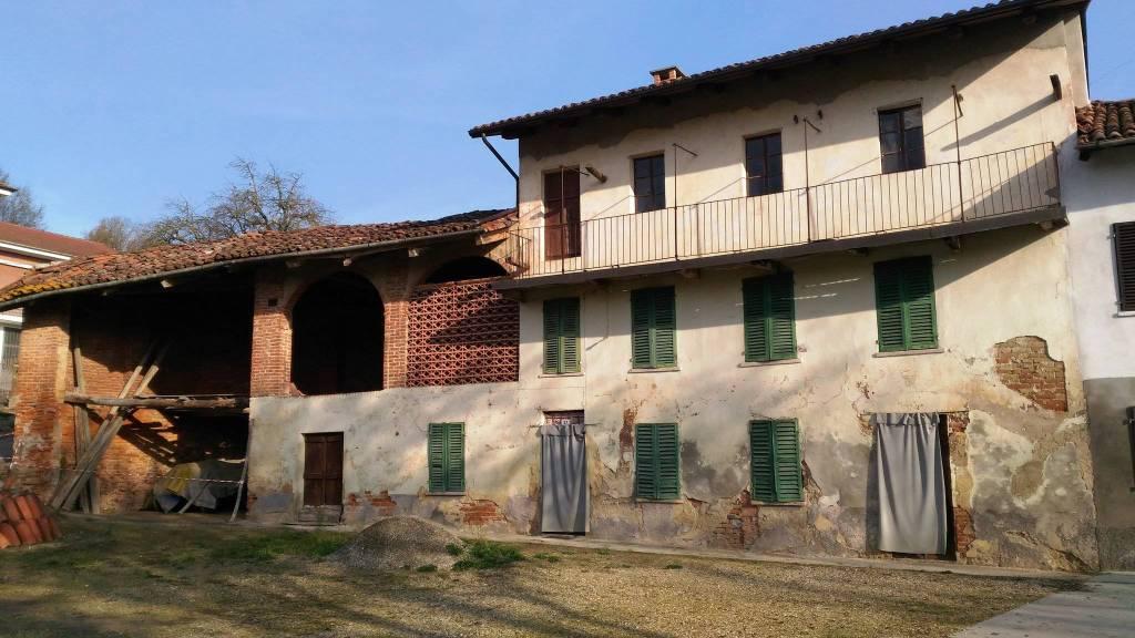 Rustico / Casale in vendita a Celle Enomondo, 6 locali, prezzo € 18.000 | CambioCasa.it