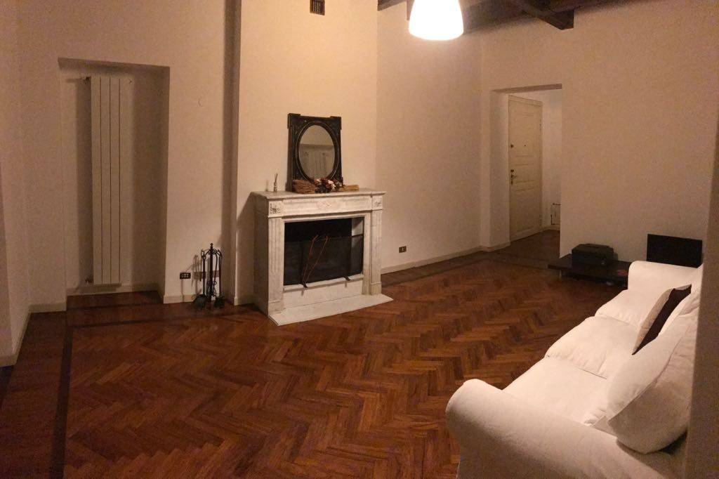 Appartamento in ottime condizioni parzialmente arredato in affitto Rif. 8975247