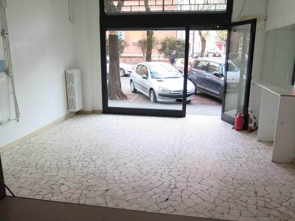 Negozio / Locale in vendita a Bologna, 1 locali, zona Zona: 19 . Bolognina, Arcoveggio, Vavile, prezzo € 130.000 | CambioCasa.it