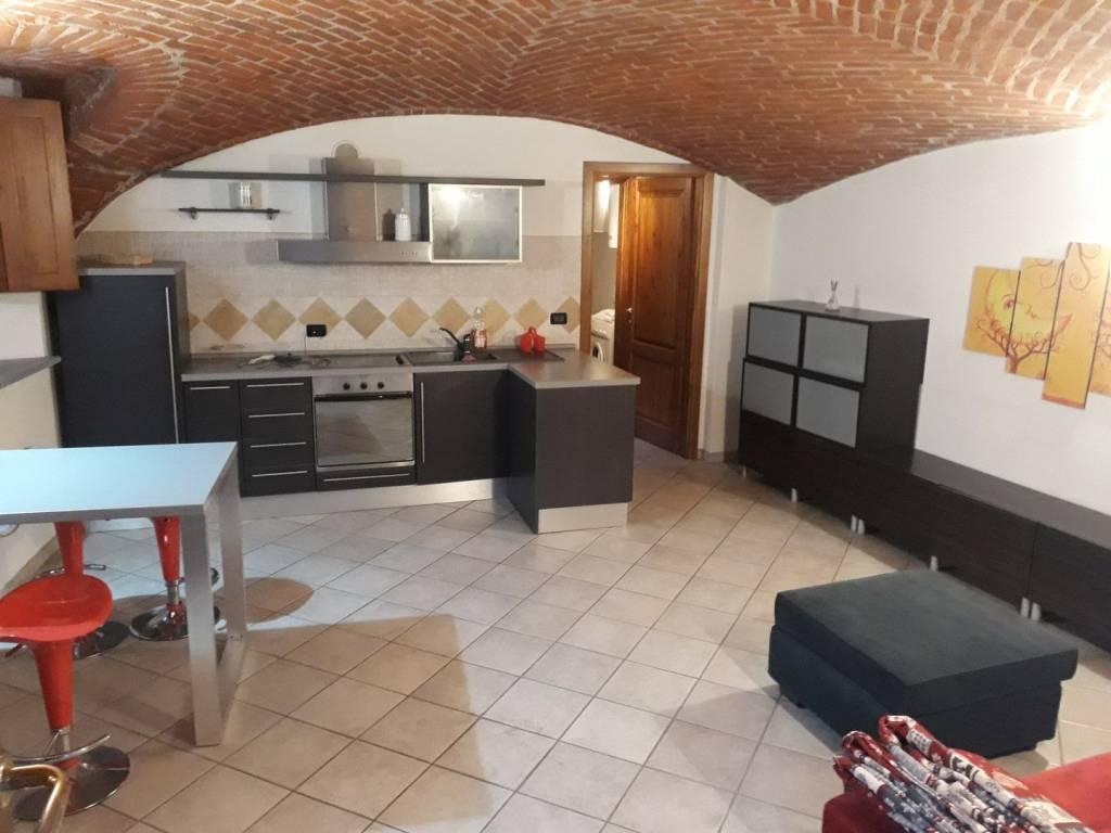 Appartamento in ottime condizioni in vendita Rif. 8974129