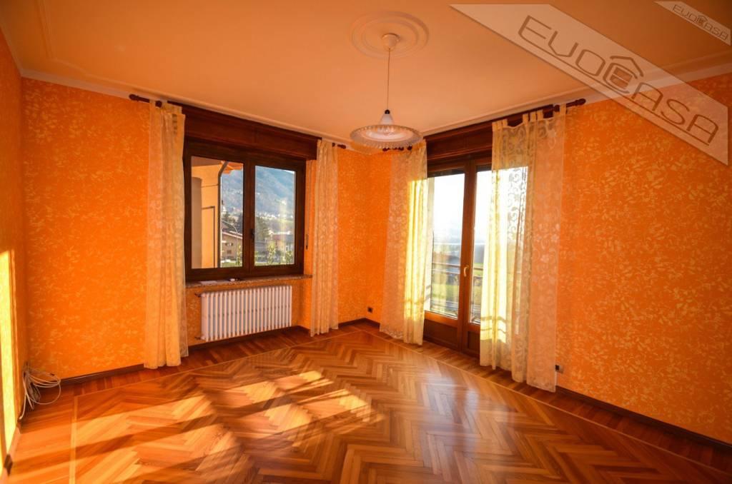 Foto 1 di Casa indipendente via Roma 8, Perosa Argentina