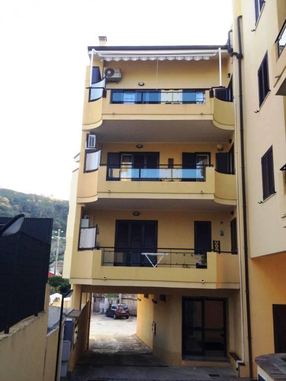 Appartamento in Vendita a Messina Periferia Sud: 3 locali, 82 mq