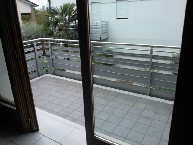 Appartamento in buone condizioni arredato in vendita Rif. 4504903
