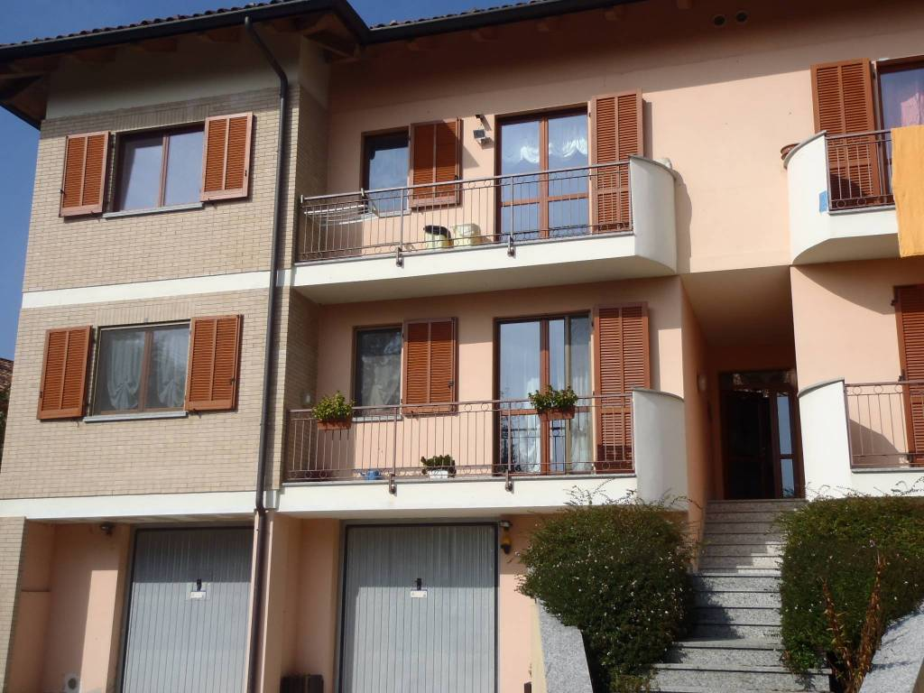 Appartamento in buone condizioni in vendita Rif. 7519030