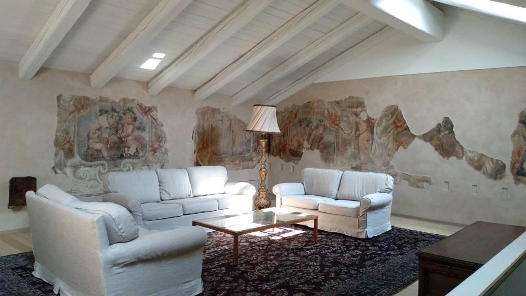 Appartamento in affitto a Chieri, 6 locali, prezzo € 1.800 | CambioCasa.it