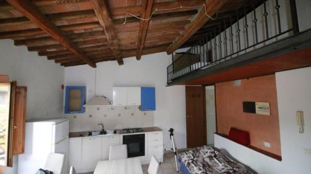 Appartamento in ottime condizioni arredato in vendita Rif. 8974755