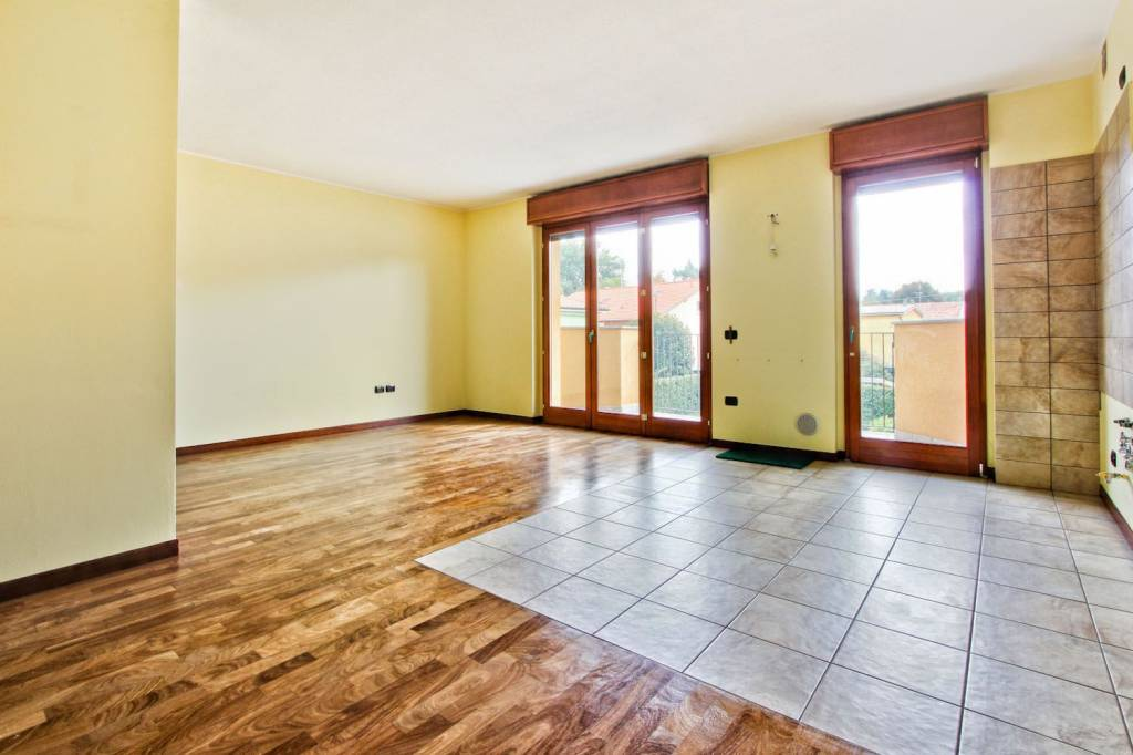 Appartamento in ottime condizioni in vendita Rif. 8976394