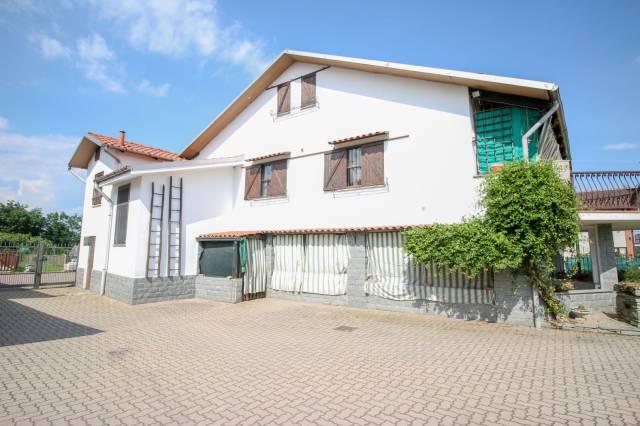Rustico / Casale in buone condizioni in vendita Rif. 7098635
