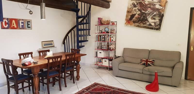 Appartamento in ottime condizioni in vendita Rif. 8985270