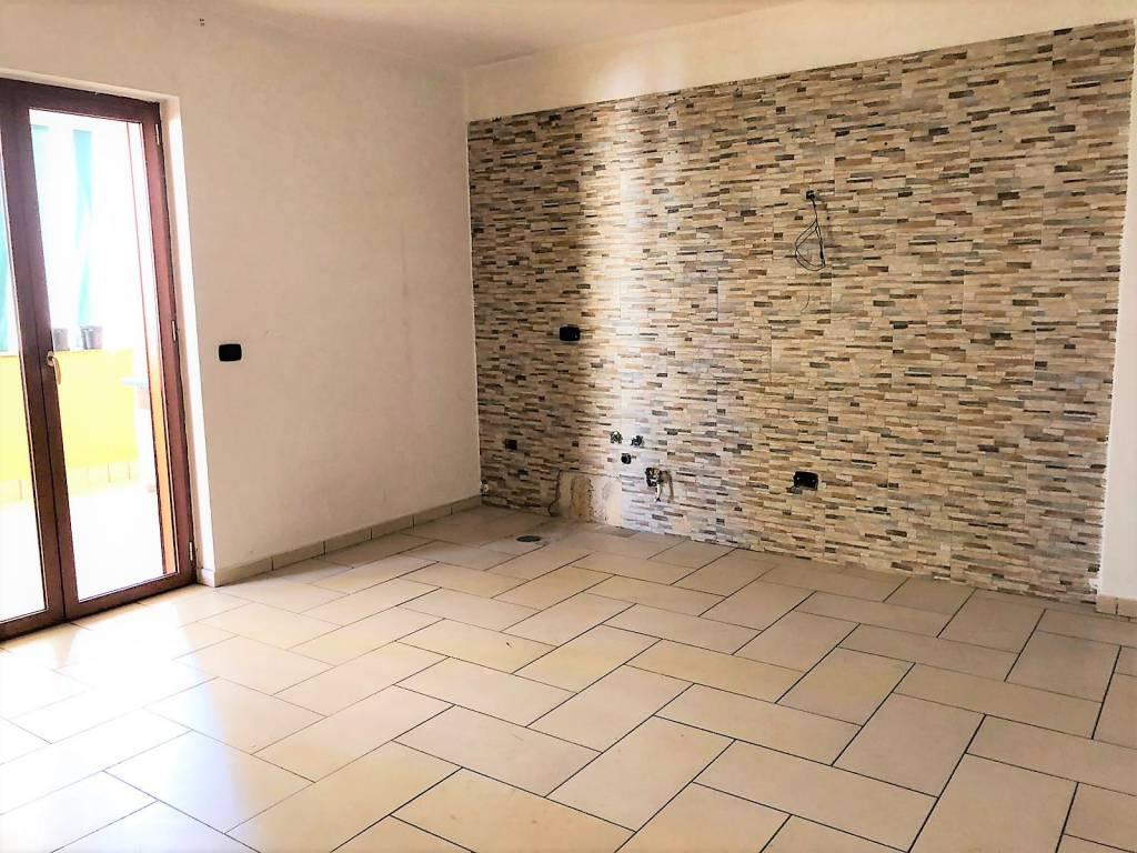 Appartamento in ottime condizioni in affitto Rif. 8988074