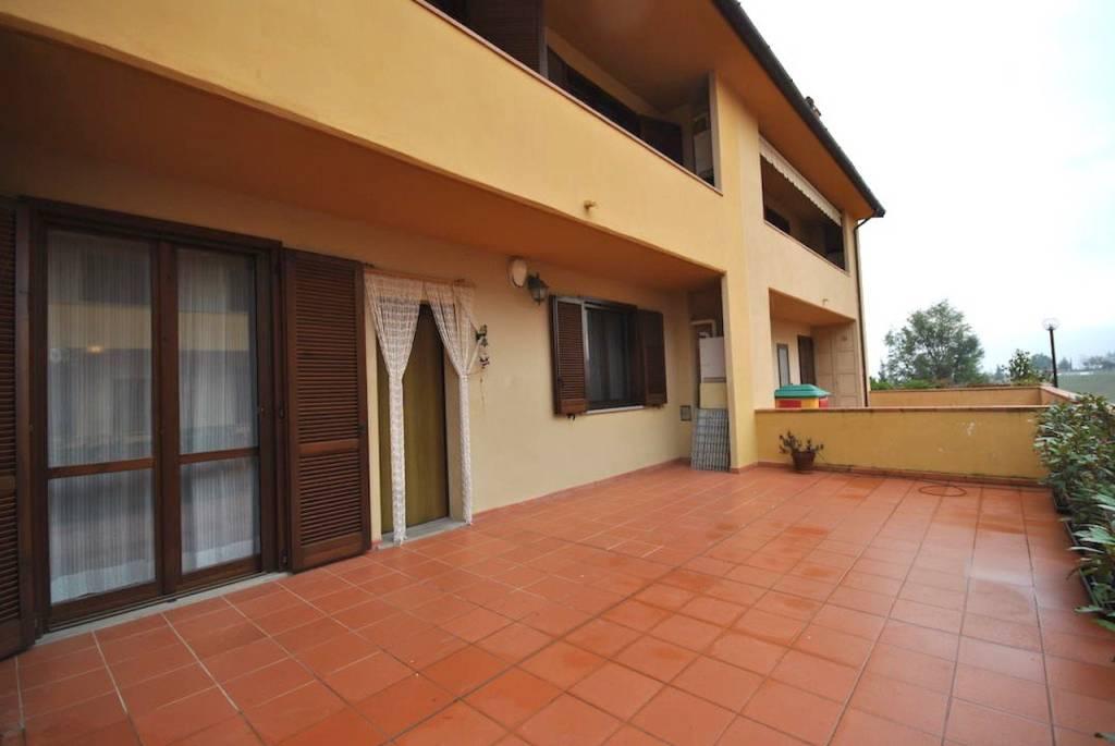 Appartamento in buone condizioni in vendita Rif. 8987500