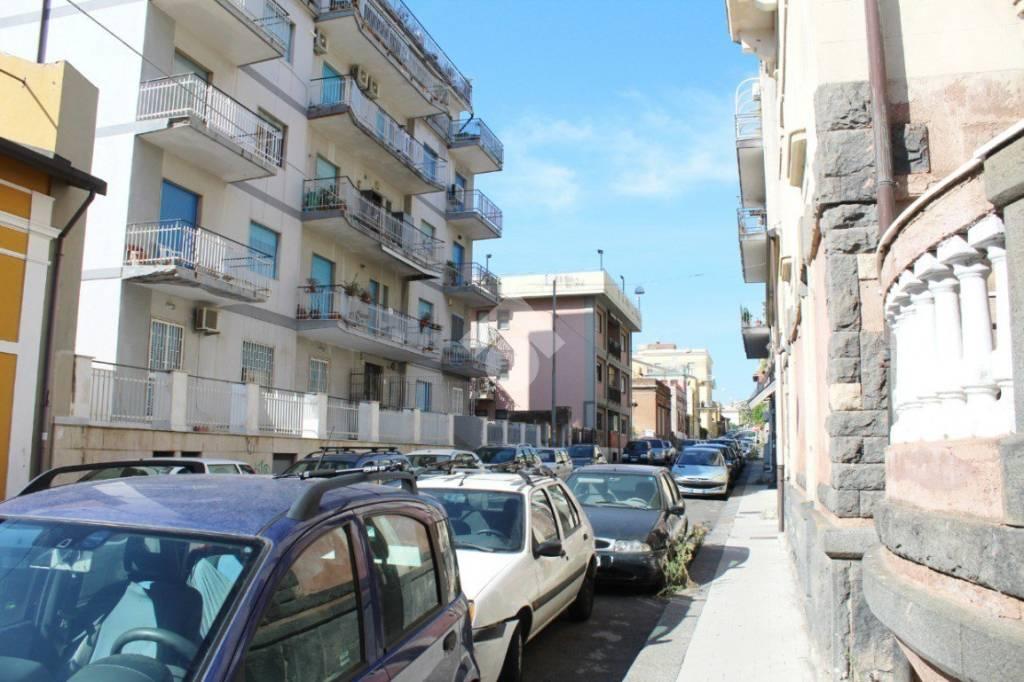 Appartamento da ristrutturare in vendita Rif. 9468266