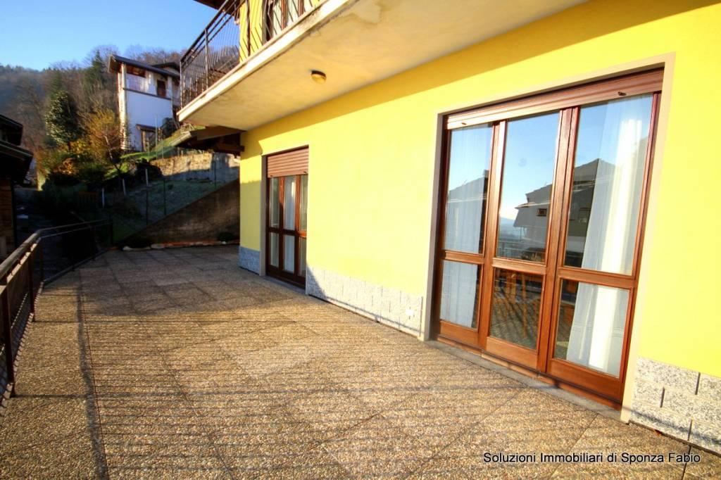 Appartamento in buone condizioni arredato in affitto Rif. 8983911