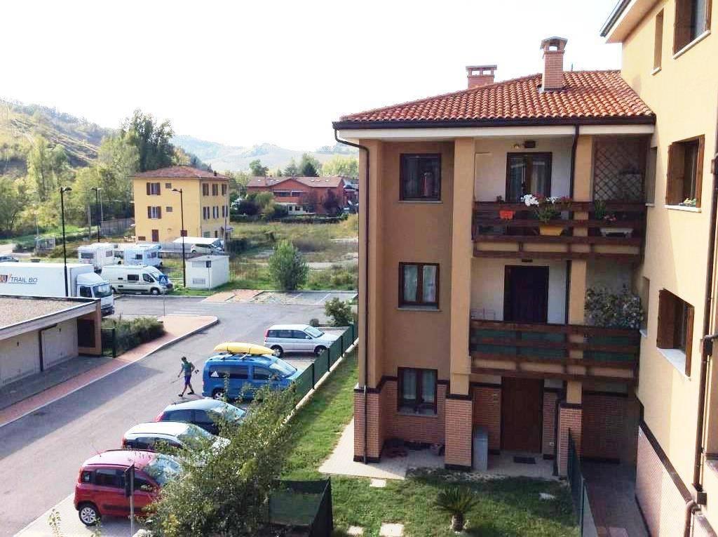 Appartamento in buone condizioni in vendita Rif. 8985669