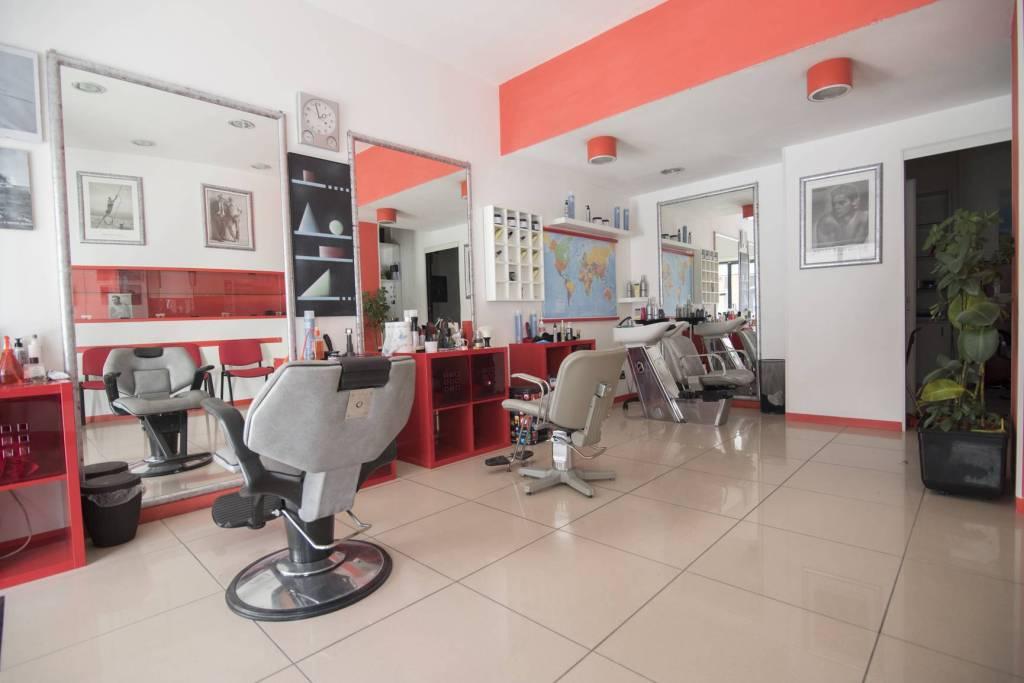 LOCALE COMMERCIALE A REDDITO Rif. 8987022