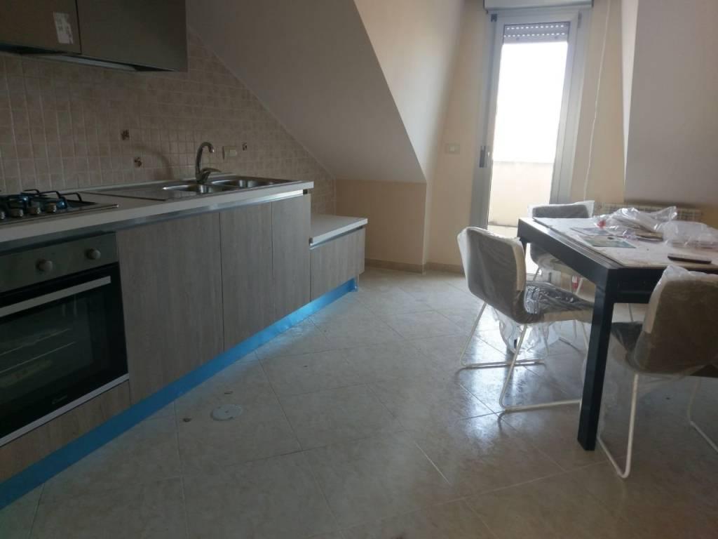 Attico / Mansarda in ottime condizioni arredato in affitto Rif. 5781920