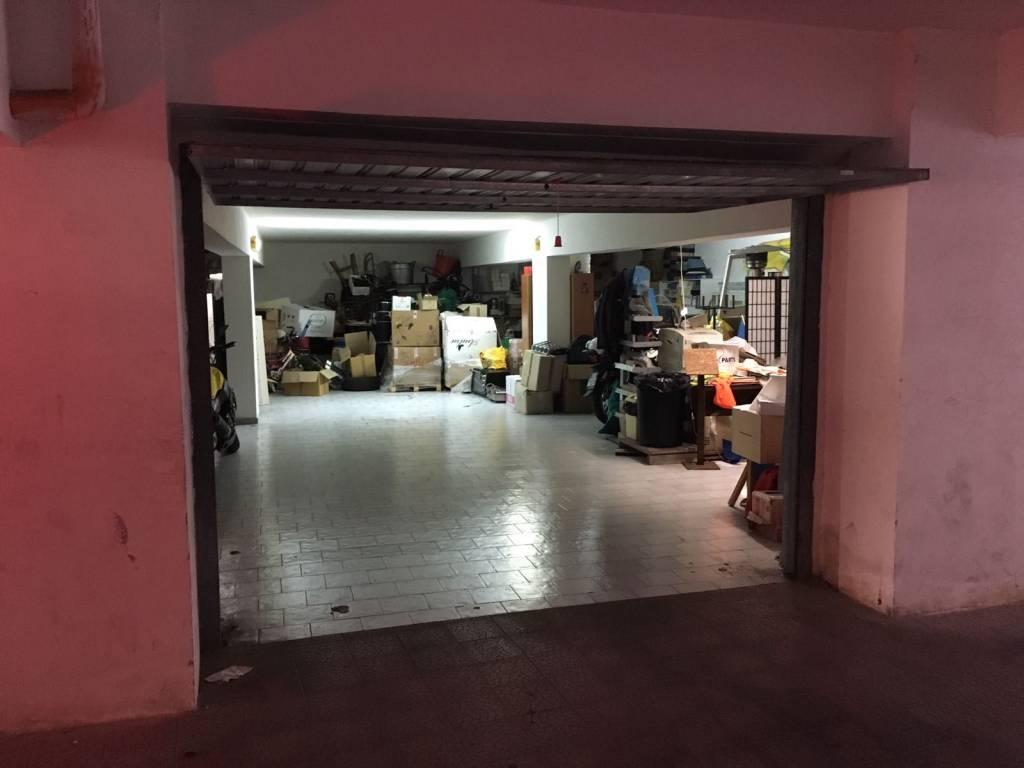 Box e posti auto in buone condizioni in vendita Rif. 8987955
