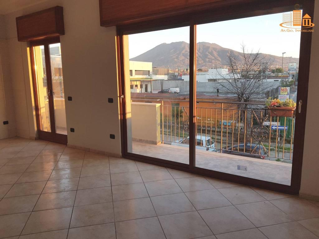 Appartamento in ottime condizioni in affitto Rif. 8985079