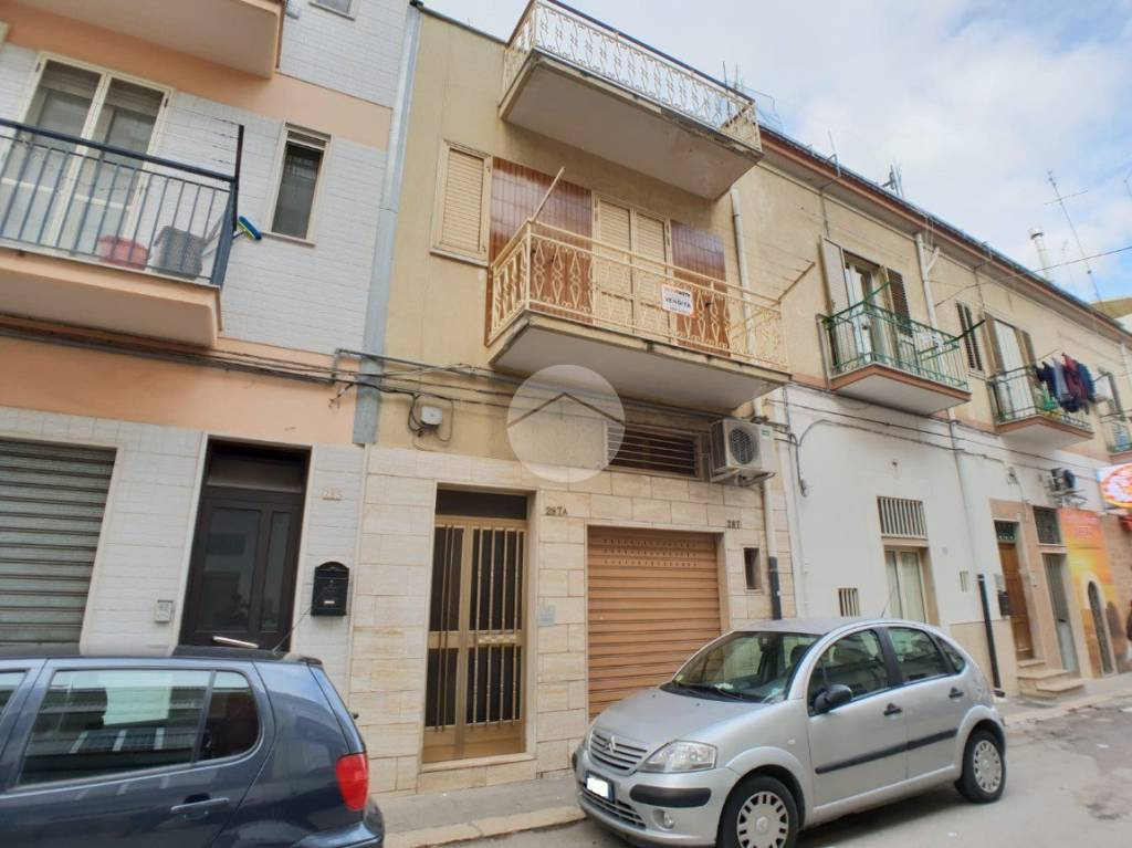 Appartamento da ristrutturare in vendita Rif. 9160873
