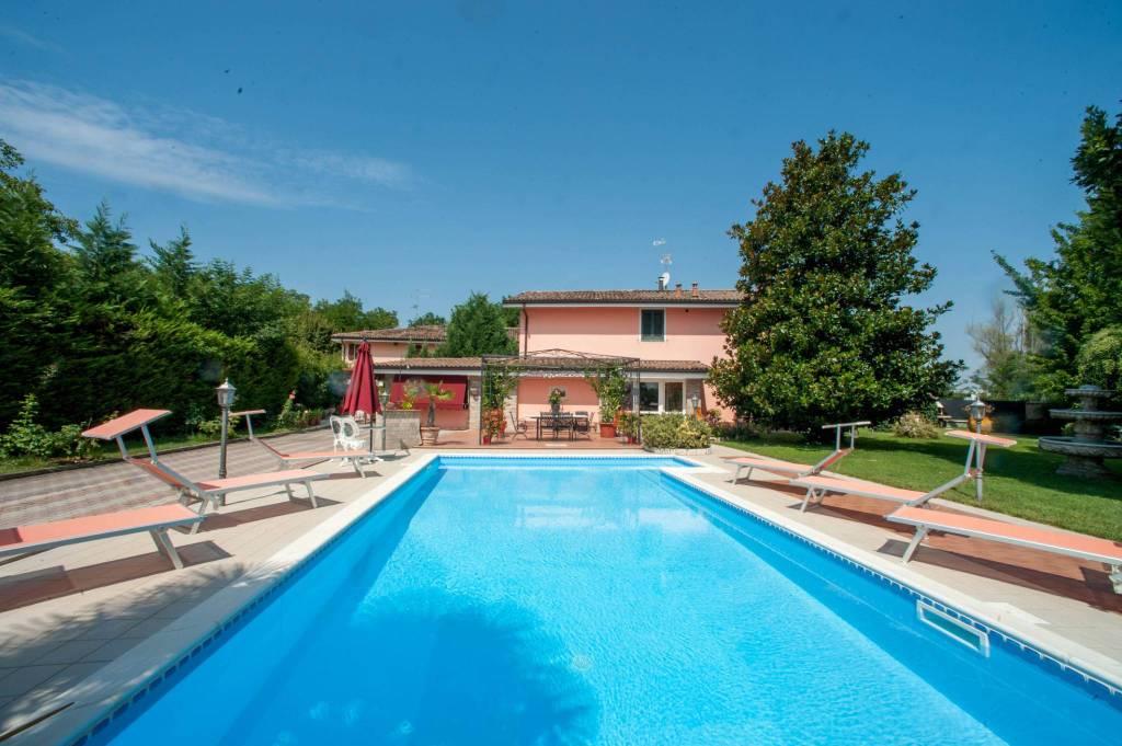 Foto 1 di Villa via San Donnino, Castelfranco Emilia