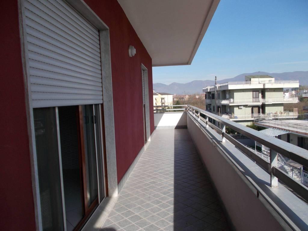 Appartamento in ottime condizioni in affitto Rif. 8997826