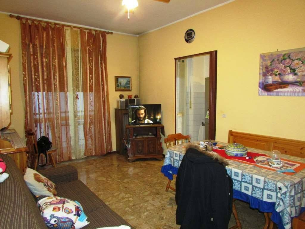 Foto 1 di Bilocale via XXIV MAGGIO , 43, Trofarello