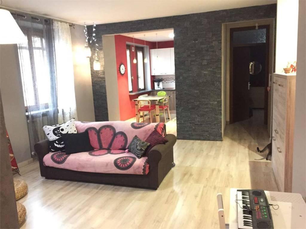 Appartamento in vendita a Azzate, 3 locali, prezzo € 115.000 | PortaleAgenzieImmobiliari.it