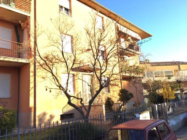 Appartamento in buone condizioni in vendita Rif. 8999756