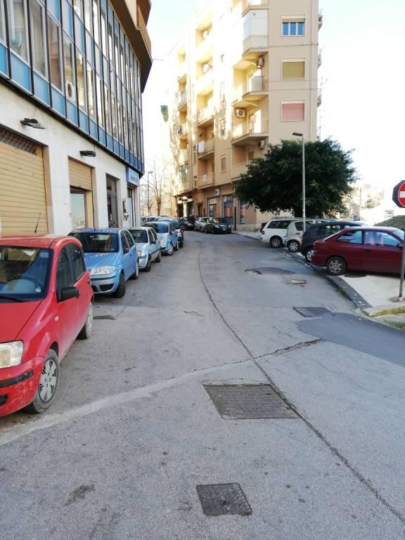 Appartamento in buone condizioni in affitto Rif. 8997287