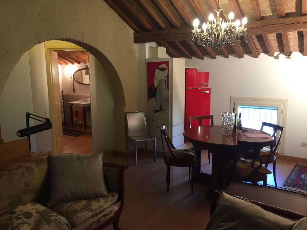 Appartamento in ottime condizioni arredato in affitto Rif. 8999497