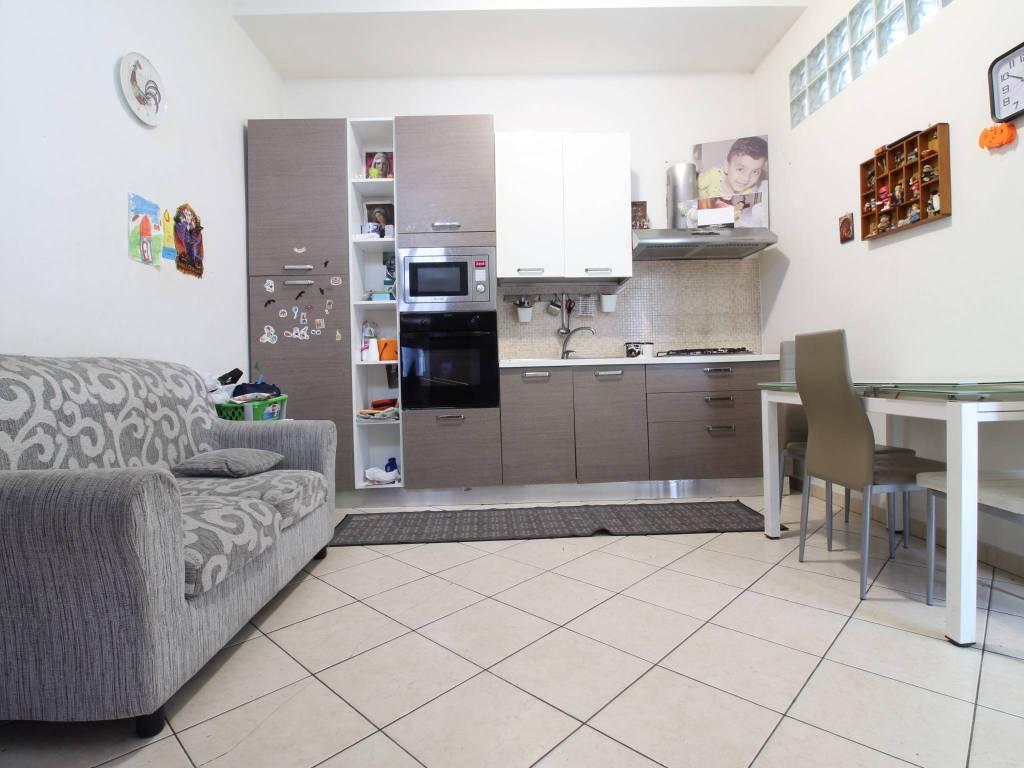 Appartamento in buone condizioni arredato in affitto Rif. 9259674