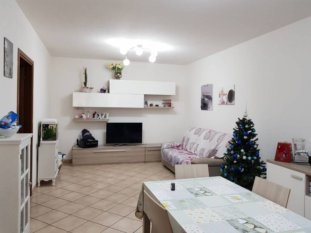 4 vani cucina arredata, con giardino e garage rif.6854/C