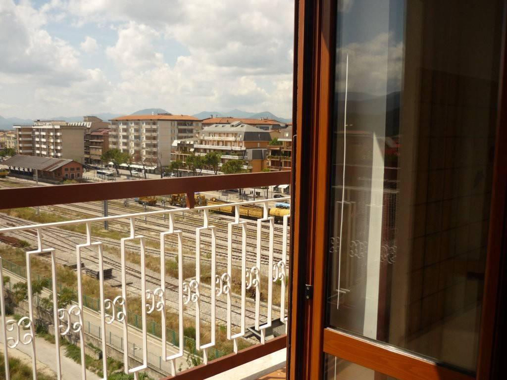 Appartamento in ottime condizioni in affitto Rif. 8997648