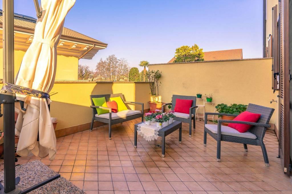 Appartamento in ottime condizioni parzialmente arredato in vendita Rif. 8997262