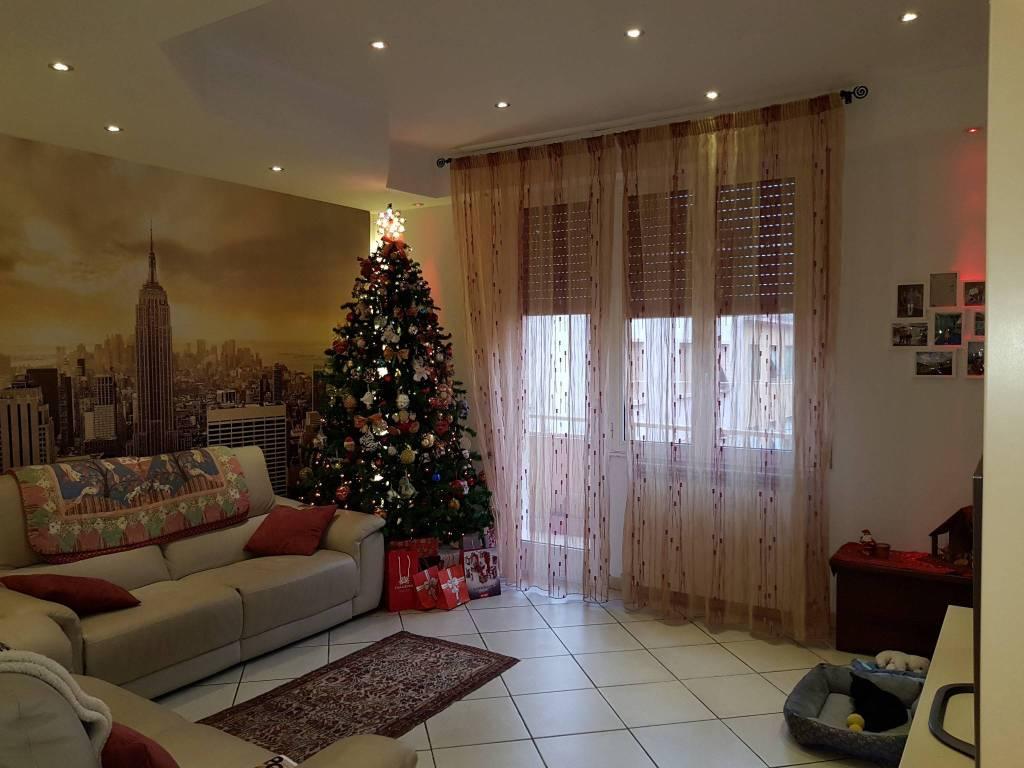Appartamento in buone condizioni in vendita Rif. 8997546